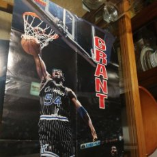 Coleccionismo deportivo: FIBA BASKETBALL, GRANT, NBA AÑOS 90,GRAN POSTER 58 CM X 82 CM.. Lote 255659460