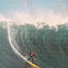 Coleccionismo deportivo: ¡¡ SURF MAVERICKS. ( CALIFORNIA.) PUZLE. MONTADO Y ENMARCADO.!!. Lote 276648013