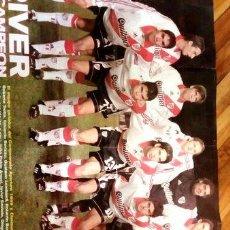 Coleccionismo deportivo: POSTER GIGANTE DE RIVER BICAMPEON 1999 Y 2000. Lote 278913698