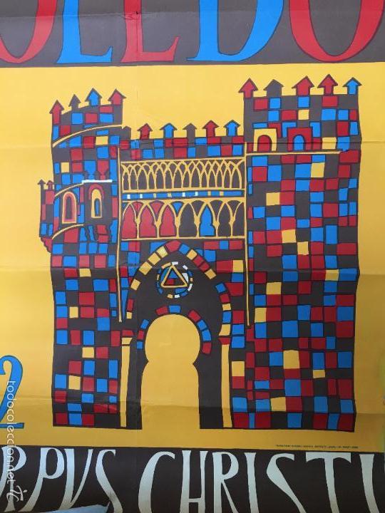 Carteles Feria: MAGNIFICO CARTEL DEL CORPUS CHRISTI DE TOLEDO AÑO 1962 - MEDIDA 1 METRO X 63CM - Foto 4 - 57470325