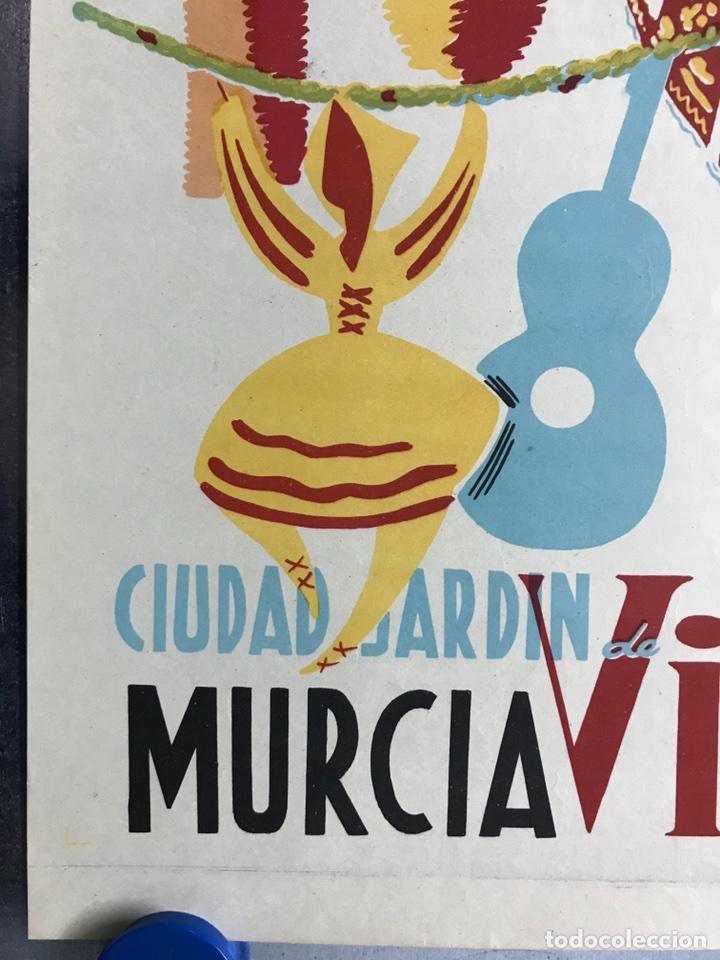 Carteles Feria: CIUDAD JARDIN DE VISTABELLA (MURCIA) - FIESTAS PATRONALES - MAYO 1957 - LITOGRAFIA - ilust: J. MECHO - Foto 3 - 114426182