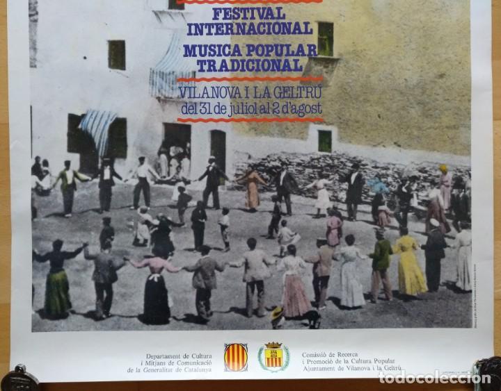 Carteles Feria: CARTEL 2 FESTIVAL INTERNACIONAL MUSICA POPULAR TRADICIONAL VILANOVA I LA GELTRU 1982 - Foto 2 - 143970050