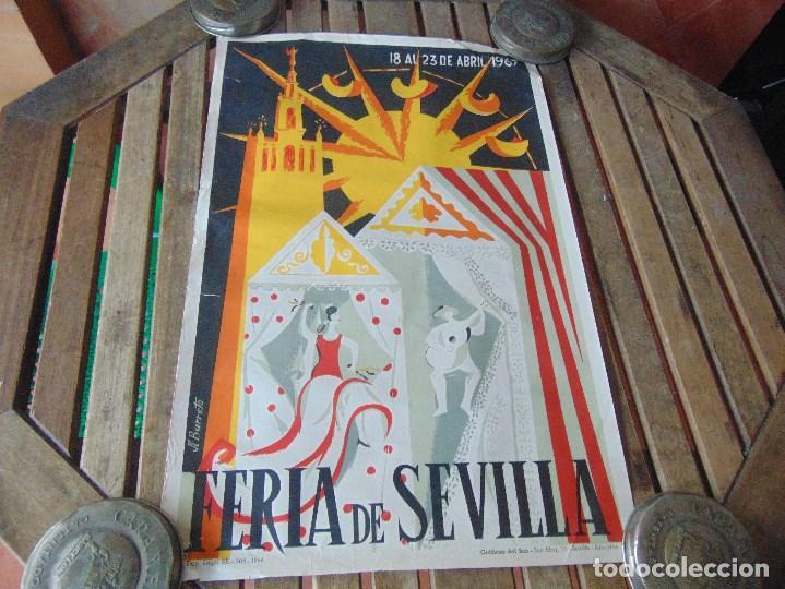CARTEL DE LA FERIA DE SEVILLA AÑO 1967 MIDE 46 X 68 CM LEER Y MIRAR FOTOS (Coleccionismo - Carteles Gran Formato - Carteles Ferias, Fiestas y Festejos)