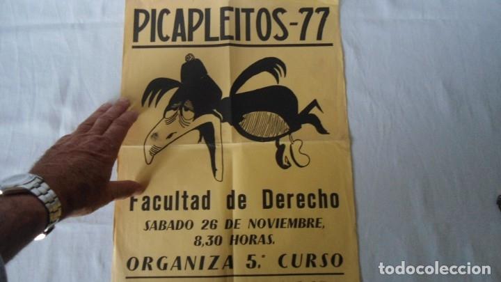 Carteles Feria: CARTEL FIESTA UNIVERSITARIO DE DERECHO 1977 - Foto 4 - 182898621