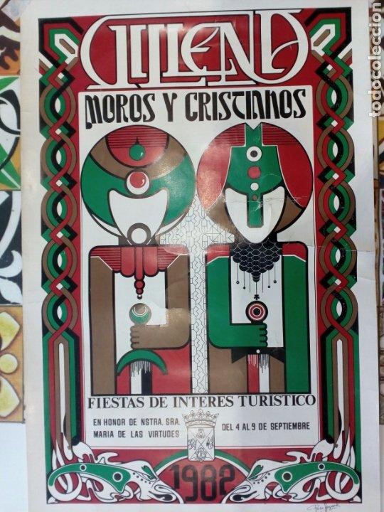 Carteles Feria: Lote 2 Carteles de Fiestas de Moros y Cristianos , Villena , año 1982 - Foto 2 - 204590815