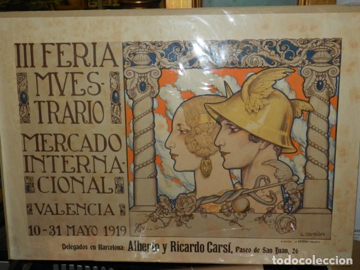 (M) CARTEL ORIGINAL - III FERIA MUESTRARIO MERCADO INTERNACIONAL, VALENCIA 1919, ILUST. L DUBÓN (Coleccionismo - Carteles Gran Formato - Carteles Ferias, Fiestas y Festejos)