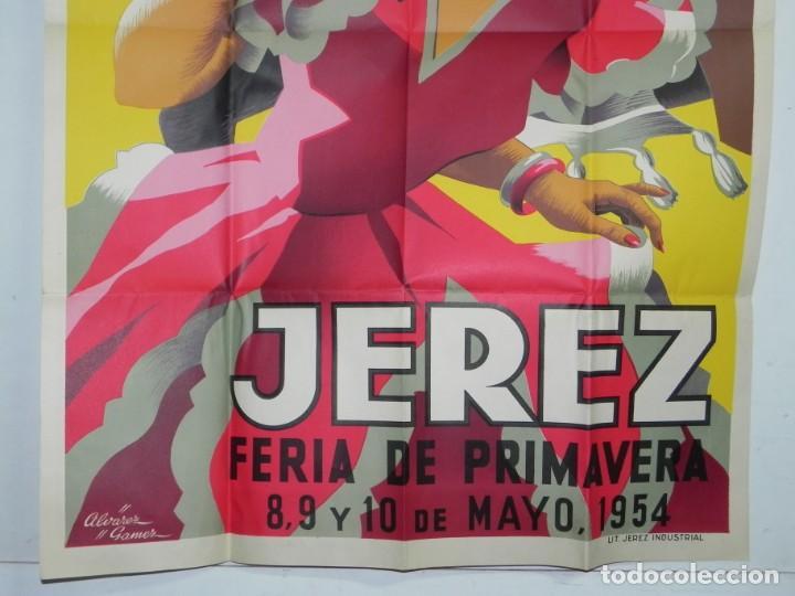 Carteles Feria: CARTEL DE FERIA DE LA PRIMAVERA DE JEREZ, MAYO DE 1954, ILUSTRADO POR ALVAREZ GAMEZ, LIT. JEREZ INDU - Foto 3 - 257324695