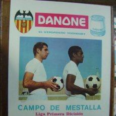 Coleccionismo deportivo: CARTEL DE FUTBOL - LIGA - VALENCIA C.F. - C.D. MALAGA, REAL SOCIEDAD Y R.C.D. ESPAÑOL -MARZO DE 1968. Lote 129145287