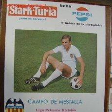 Coleccionismo deportivo: CARTEL DE FUTBOL - 1ª DIVISION - VALENCIA C.F.-UD LAS PALMAS, R. SOCIEDAD, FC BARCELONA - AÑO 1968. Lote 121015898