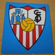 Coleccionismo deportivo: ESCUDO FÚTBOL .. CLUB FUTBOL SEVILLA. Lote 15335070
