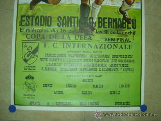 Coleccionismo deportivo: AÑO 1986 CARTEL COPA DE LA UEFA (SEMIFINAL) - REAL MADRID F.C. INTERNAZIONALE (INTER MILAN) - Foto 2 - 164685744