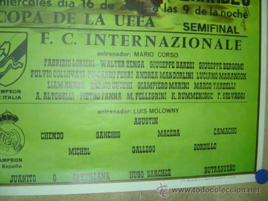 Coleccionismo deportivo: AÑO 1986 CARTEL COPA DE LA UEFA (SEMIFINAL) - REAL MADRID F.C. INTERNAZIONALE (INTER MILAN) - Foto 3 - 164685744