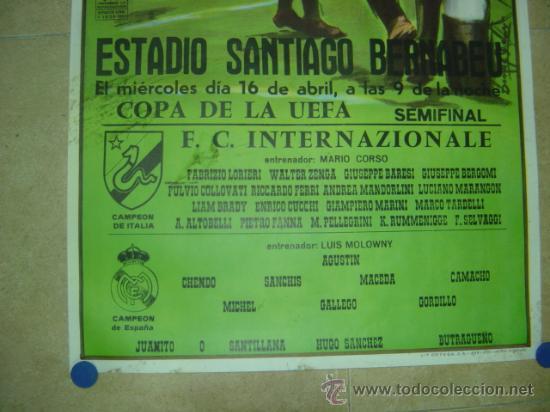 Coleccionismo deportivo: AÑO 1986 CARTEL COPA DE LA UEFA (SEMIFINAL) - REAL MADRID F.C. INTERNAZIONALE (INTER MILAN) - Foto 2 - 158109104