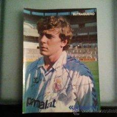 Coleccionismo deportivo: FOTO EMILIO BUTRAGUEÑO FIRMADA(PERSONALIZADA). Lote 28662275
