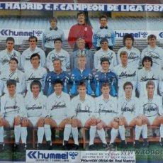 Coleccionismo deportivo: ANTIGUO POSTER DEL REAL MADRID - TEMPORADA 1987 1988 - CON LAS FIRMAS DE LOS JUGADORES IMPRESAS - ME. Lote 191818326