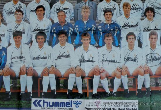 Coleccionismo deportivo: ANTIGUO POSTER DEL REAL MADRID - TEMPORADA 1987 1988 - CON LAS FIRMAS DE LOS JUGADORES IMPRESAS - ME - Foto 2 - 29356568