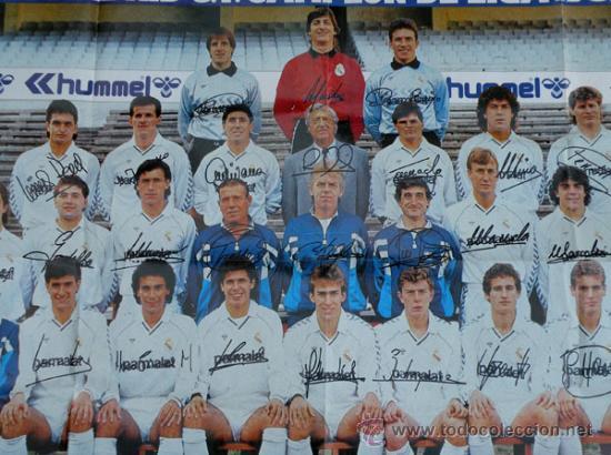 Coleccionismo deportivo: ANTIGUO POSTER DEL REAL MADRID - TEMPORADA 1987 1988 - CON LAS FIRMAS DE LOS JUGADORES IMPRESAS - ME - Foto 3 - 29356568