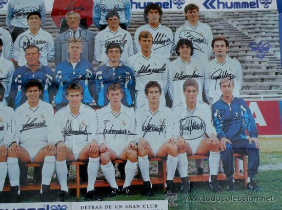 Coleccionismo deportivo: ANTIGUO POSTER DEL REAL MADRID - TEMPORADA 1987 1988 - CON LAS FIRMAS DE LOS JUGADORES IMPRESAS - ME - Foto 4 - 29356568