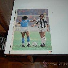 Coleccionismo deportivo: MARADONA Y PLATINI, Y AL DORSO PELÉ Y LA SELECCIÓN DE BRASIL DE 1966. Lote 29808846