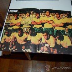Coleccionismo deportivo: SELECCIÓN DE FÚTBOL DE BRASIL: PÓSTER DE UN EQUIPO DE 1970. Lote 32006894