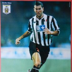 Coleccionismo deportivo: POSTER GRANDE DOBLE ZIDANE (JUVENTUS) - BARTHEZ (FRANCIA) - REVISTA KOP FOOTBALL - . Lote 37116950
