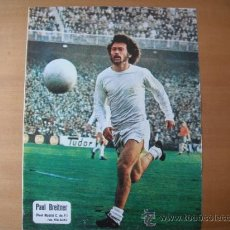Coleccionismo deportivo: POSTER AS COLOR 1/2 PAGINA. PAUL BREITNER. (REAL MADRID) AÑOS 70´. Lote 37627760