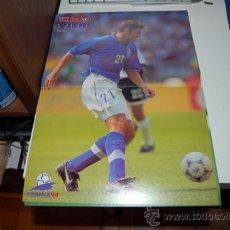 Coleccionismo deportivo: SELECCIÓN DE FÚTBOL DE ITALIA: PÓSTER DE CHRISTIAN VIERI. 1997. Lote 38315692