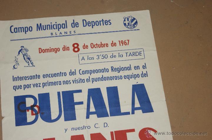 Coleccionismo deportivo: Antiguo cartel de futbol del Bufala contra blanes, 1967 - Foto 2 - 39599569