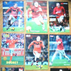 Coleccionismo deportivo: LOTE LOT COLEC. 9 POSTERS W ROONEY MANCHESTER UNITED DIFERENTES APROX : 42X30 CM. Lote 42771155