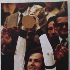 Coleccionismo deportivo: ALEMANIA FEDERAL. CAMPEÓN DEL MUNDO 1974. RECORTE ADHESIVO. Lote 49084010