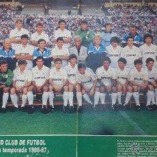 Coleccionismo deportivo: CARTEL REAL MADRID CLUB DE FUTBOL - PLANTILLA DE LA TEMPORADA 1986-87 - MEDIDA 42X54CM. Lote 50962759