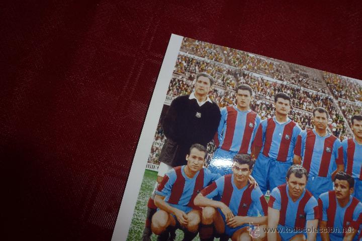 Coleccionismo deportivo: COLOREADA- F.C.BARCELONA TEMP 1960-61 (10CM X 15CM) ALINEACIÓN BARÇA FIRMAS DE JUGADORES-FOTOS - Foto 2 - 50989757
