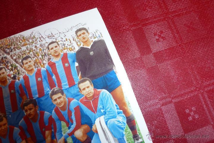 Coleccionismo deportivo: COLOREADA- F.C.BARCELONA TEMP 1960-61 (10CM X 15CM) ALINEACIÓN BARÇA FIRMAS DE JUGADORES-FOTOS - Foto 3 - 50989757