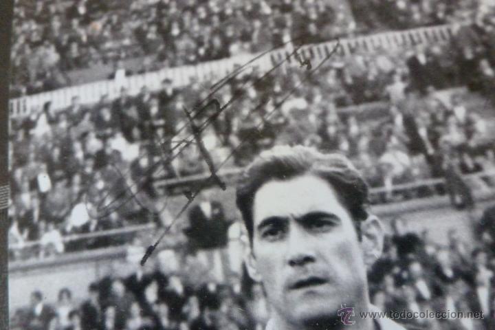 Coleccionismo deportivo: GRAN FOTO F.C.BARCELONA TEMP 1960-61 (30CM X 40CM) ALINEACIÓN BARÇA CON FIRMAS DE JUGADORES-FOTOS - Foto 3 - 51145687