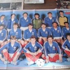 Coleccionismo deportivo: POSTER ONZE. LES BLEUS 1984 (SELECCION FRANCESA DE FUTBOL). AL DORSO PLATINI.. Lote 53033605