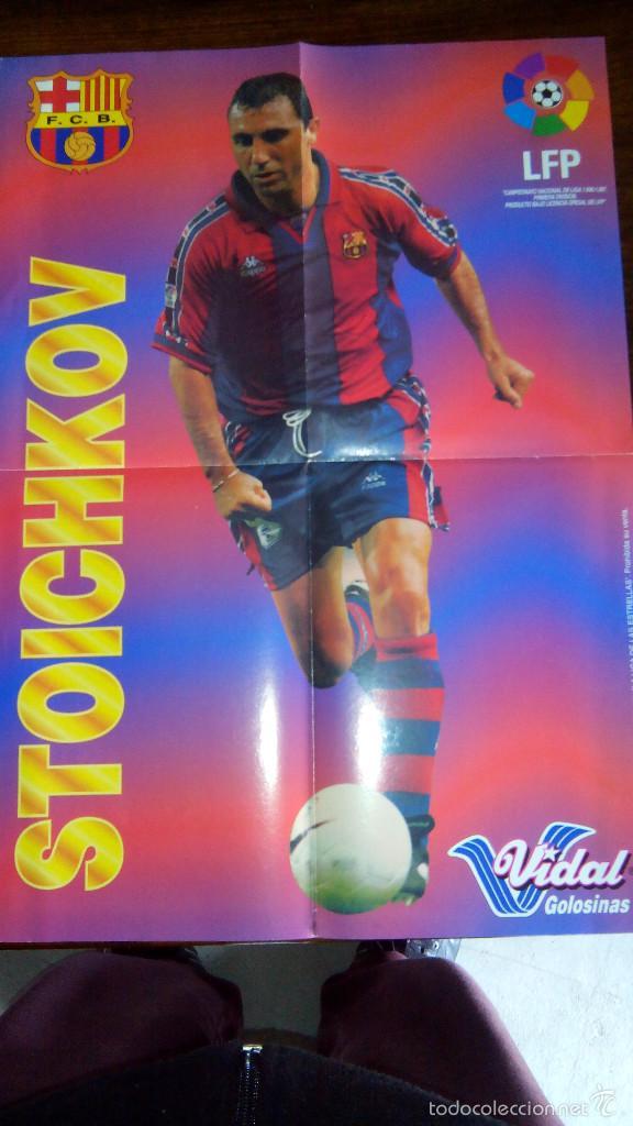 Coleccionismo deportivo: Posters futbol golosinas Vidal. Liga 96/97. Barcelona, Betis, Atletico, Ronaldo, Stochkov, Kiko... - Foto 11 - 55251189