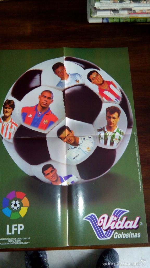 Coleccionismo deportivo: Posters futbol golosinas Vidal. Liga 96/97. Barcelona, Betis, Atletico, Ronaldo, Stochkov, Kiko... - Foto 21 - 55251189
