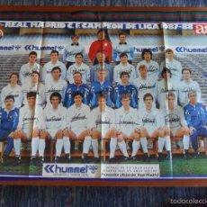 Coleccionismo deportivo: CARTEL REAL MADRID 1987 1988 CAMPEÓN DE LIGA. AS. 95X60 CMS. BUEN ESTADO.. Lote 58596539