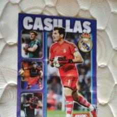 Coleccionismo deportivo: DOBLE PÓSTER 2 PÁG JUGÓN CASILLAS FOREVER, REAL MADRID Y LEO MESSI BALONES ORO F.C.BARCELONA, BARÇA. Lote 95349503