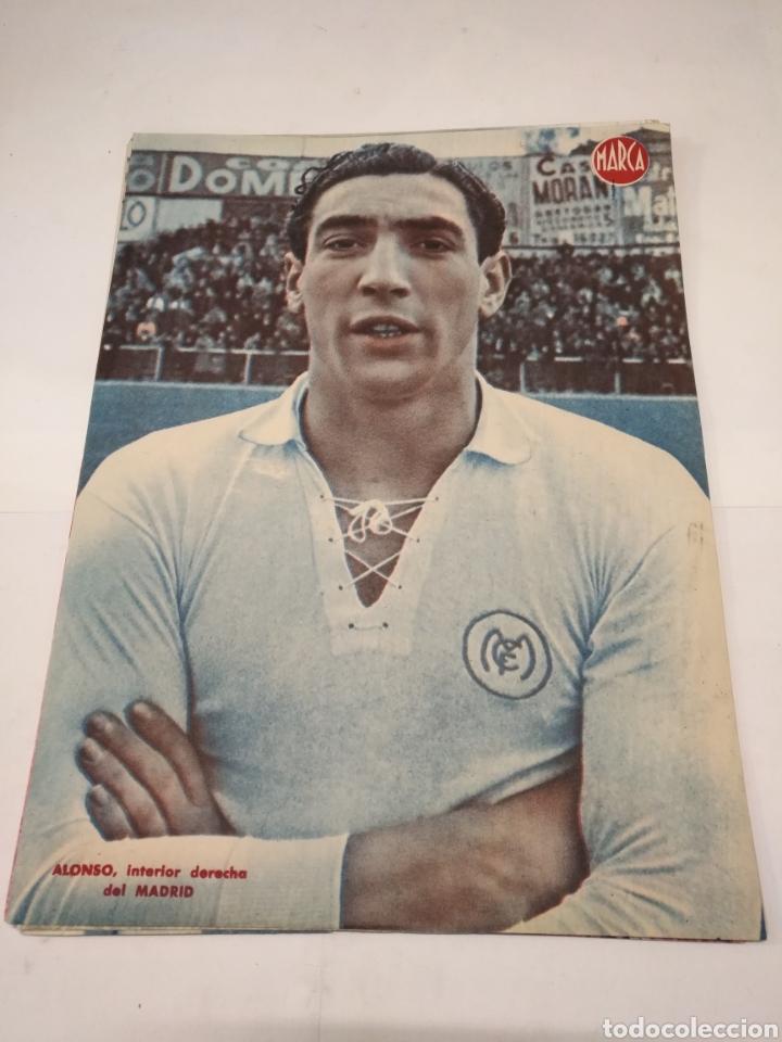 LOTE DE 12 POSTERS DE FUTBOL MARCA TEMPORADA 1942 - 1943. REAL MADRID / VALENCIA / DEPORTIVO (Coleccionismo Deportivo - Carteles de Fútbol)