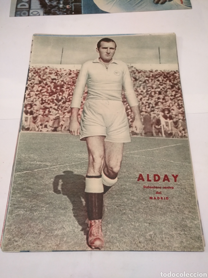 Coleccionismo deportivo: LOTE DE 12 POSTERS DE FUTBOL MARCA TEMPORADA 1942 - 1943. REAL MADRID / VALENCIA / DEPORTIVO - Foto 2 - 109284810