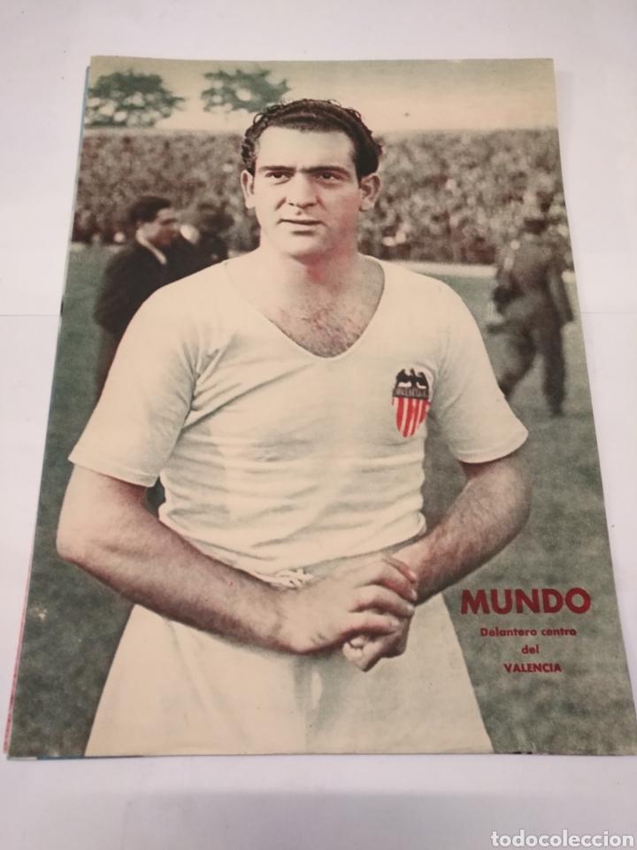 Coleccionismo deportivo: LOTE DE 12 POSTERS DE FUTBOL MARCA TEMPORADA 1942 - 1943. REAL MADRID / VALENCIA / DEPORTIVO - Foto 5 - 109284810