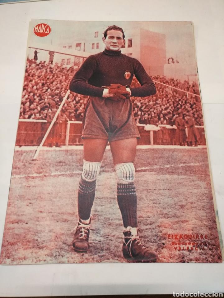 Coleccionismo deportivo: LOTE DE 12 POSTERS DE FUTBOL MARCA TEMPORADA 1942 - 1943. REAL MADRID / VALENCIA / DEPORTIVO - Foto 8 - 109284810