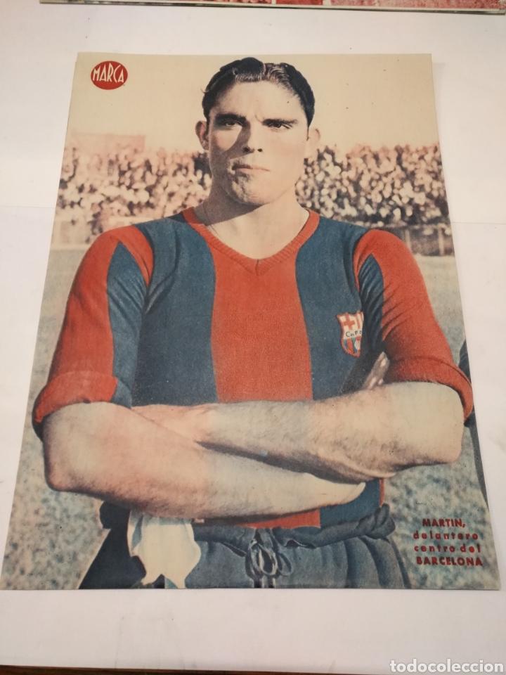 Coleccionismo deportivo: LOTE DE 12 POSTERS DE FUTBOL MARCA TEMPORADA 1942 - 1943. REAL MADRID / VALENCIA / DEPORTIVO - Foto 10 - 109284810