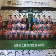 Coleccionismo deportivo: POSTER OFICIAL ATLETICO DE MADRID. TEMPORADA 1989/1990. 89/90. CON LAS FIRMAS DE LOS JUGADORES. Lote 155729249