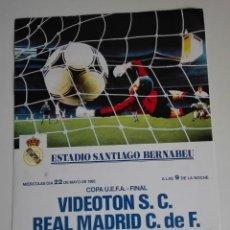 Coleccionismo deportivo: CARTEL FINAL COPA UEFA 1985 REAL MADRID - VIDEOTON. Lote 115591679