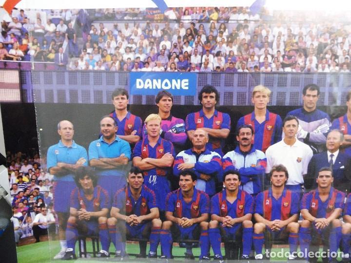 Coleccionismo deportivo: Póster grande Danone F.C.Barcelona temporada 91-92 firmas impresas 63x43,5 cm - Foto 5 - 142694264