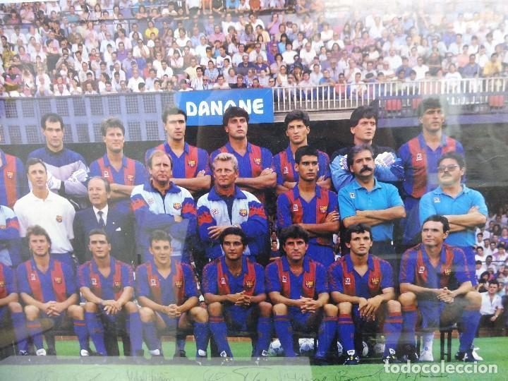 Coleccionismo deportivo: Póster grande Danone F.C.Barcelona temporada 91-92 firmas impresas 63x43,5 cm - Foto 6 - 142694264