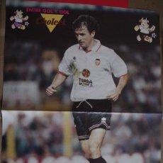 Coleccionismo deportivo: POSTER CARBONI VALENCIA CF - DETRAS CARICATURA DE LA LIGA. Lote 118564851