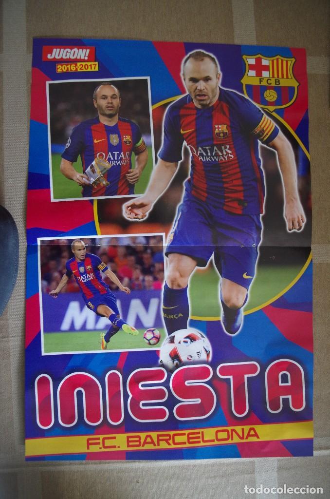 Coleccionismo deportivo: POSTER MARCELO R. MADRID 10 AÑOS DE BLANCO - DETRAS INIESTA BARCELONA (45X30 CM) - Foto 2 - 120020767
